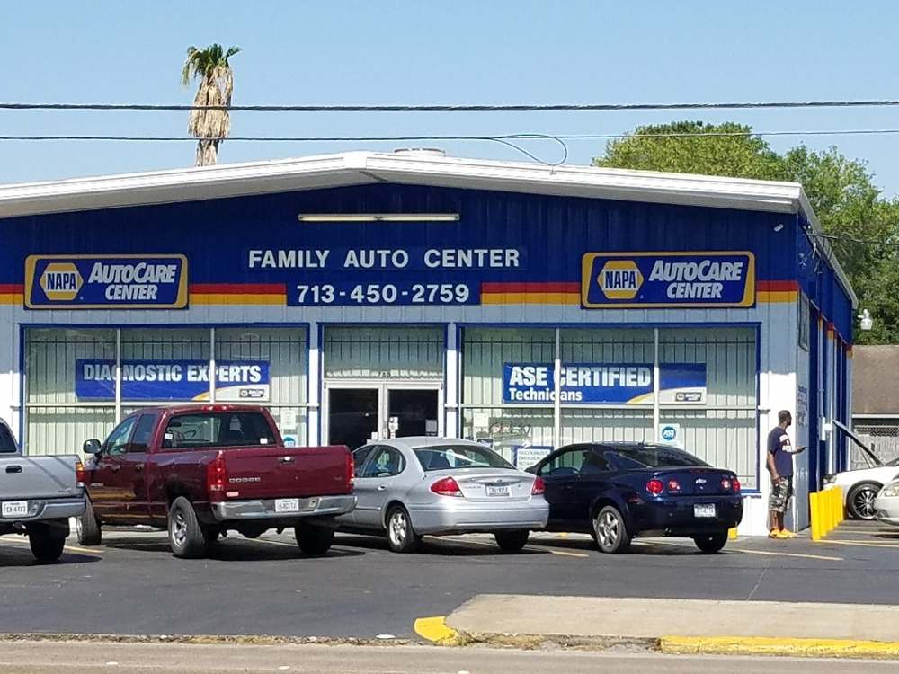 Family Auto Center >> Family Auto Center On Normandy St In Houston Tx 713 450